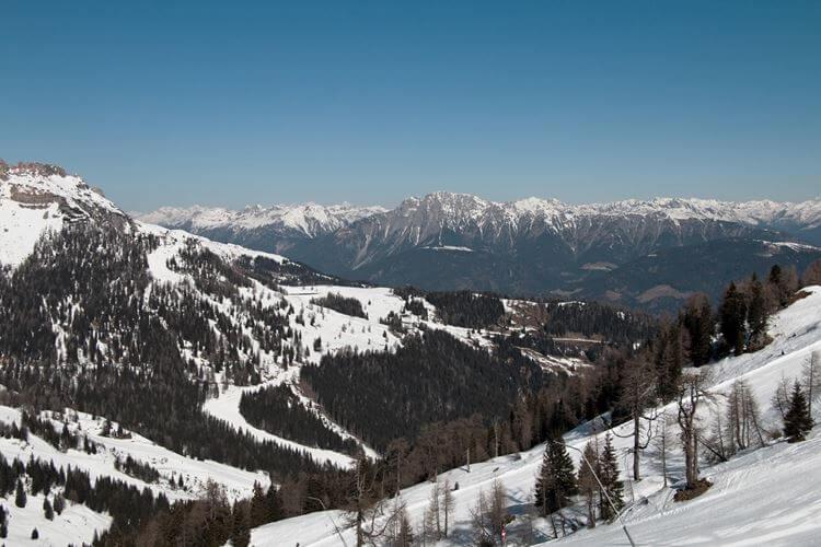 Planina prekrivena snegom