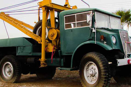 Zeleni kamion za šlepanje vozila
