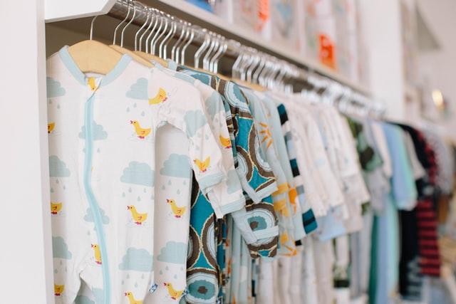 Šarena odeća za bebe kao ideja pa poklon