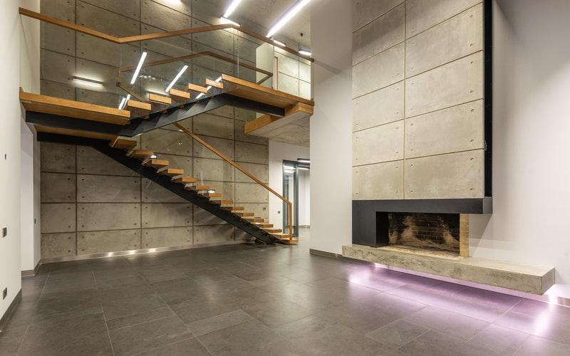 enterijer-kamen-kamin-stepenice